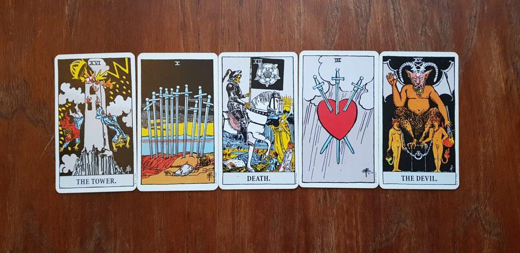 Myślisz o kartach tylko i wyłącznie w kategorii dobrych i złych